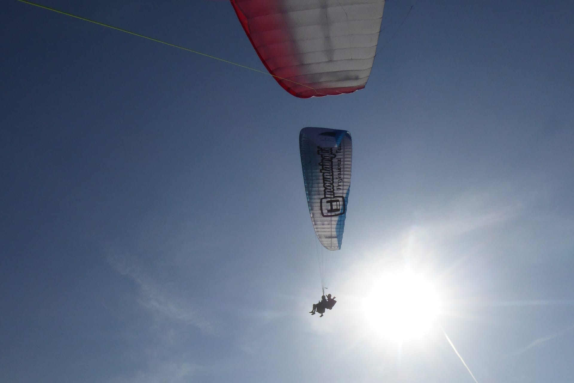 Paragliding with Friends