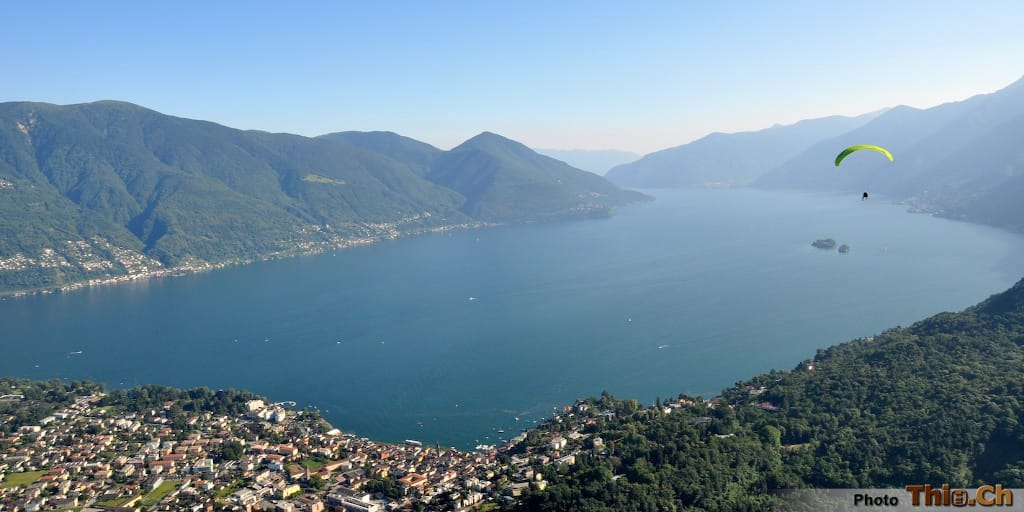 A Paragliding Flight from Cimetta over Lago Maggiore with Mountaingliders