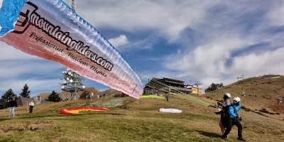 Paragliding Take-off at Cimetta